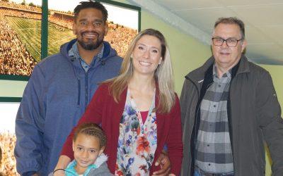 Mit Behindertensport in Berührung kommen: Paralympics-Siegerin Katrin Green besuchte Pfälzisches Sportmuseum in Hauenstein